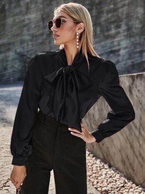 Μαύρη γυναικεία πουκαμίσα από τη συλλογή της Amelies