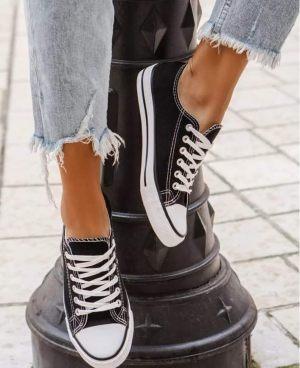 Μαύρα γυναικεία sneakers από την κολεξιόν της Amelies