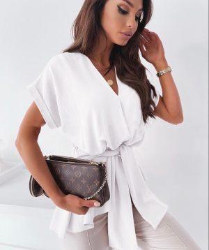 Λευκή ασύμμετρη κοντομάνικη μπλούζα από την κολεξιόν της Amelies